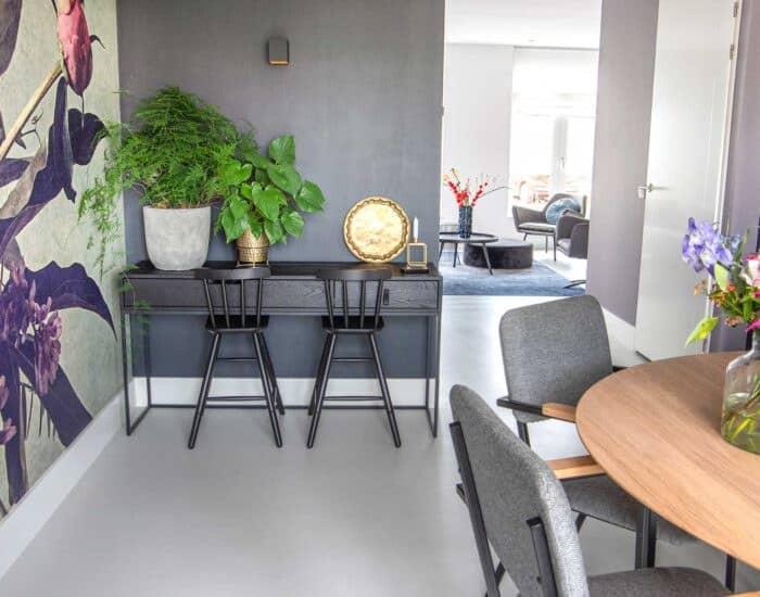 Voorthuizen-Beitler-Betonflow-vloer-tafel