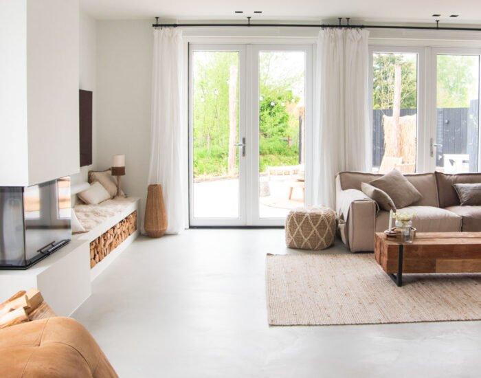 Leggen van vloeren zoals gietvloeren, betoncire, woonbeton en houten vloeren